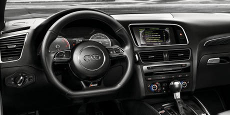 sq5_exterior_interior_content_driving_wheel_460_230.jpg