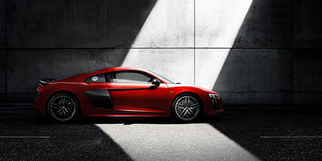 r8_v10_coupe_performance_exterior_and_interior_line_0803.jpg